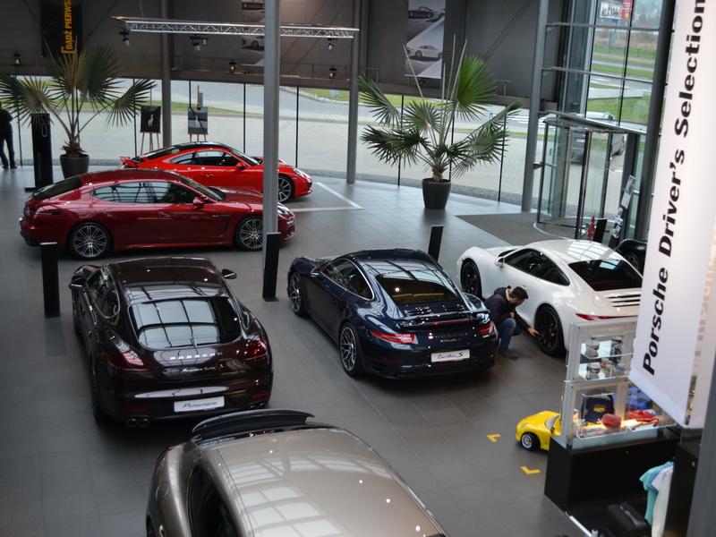 Salony samochodowe – Skoda, VW, Porsche